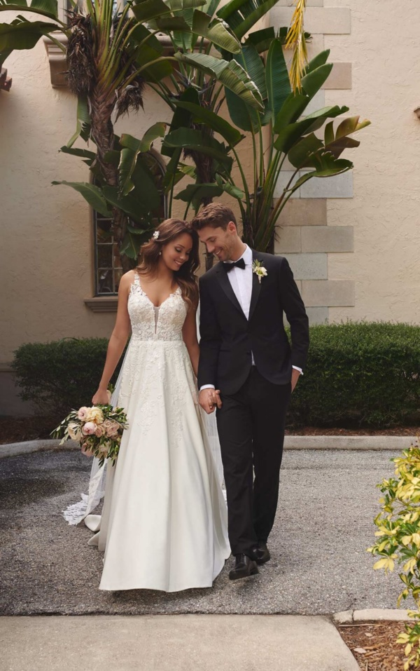 CHIC FLORAL BALLGOWN WITH LACE AND DOVE SATIN