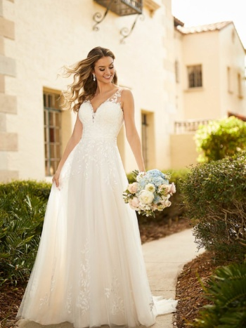 ORGANIC-INSPIRED A-LINE WEDDING DRESS