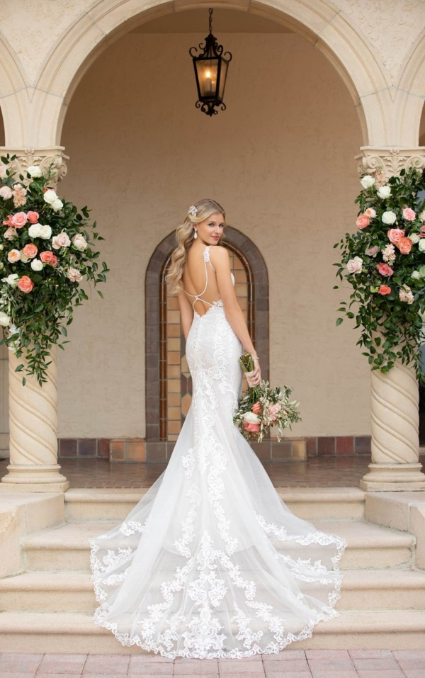 LACE AND TULLE FIT-AND-FLARE WEDDING GOWN