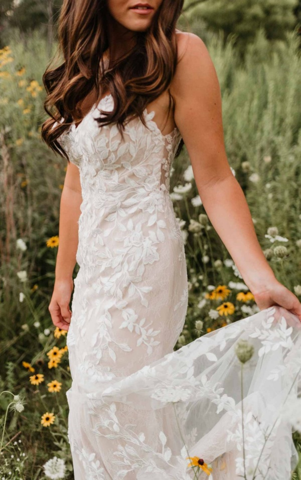 ORGANIC LACE FIT-AND-FLARE WEDDING DRESS