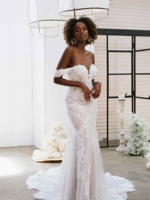 OFF-THE-SHOULDER FLORAL LACE WEDDING DRESS WITH SWEETHEART NECKLINE