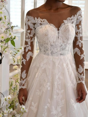 LONG-SLEEVE LACE BALLGOWN WITH FABRIC-COVERED BUTTONS